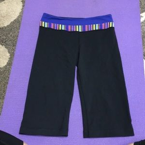 Lululemon groove crop leggings size 6